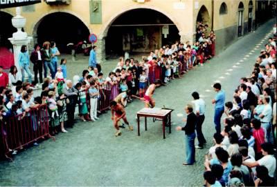 La partenza della corsa in Piazza V. Veneto