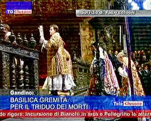 Basilica gremita per il Triduo dei morti