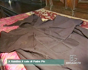 A Gandino il saio di Padre Pio