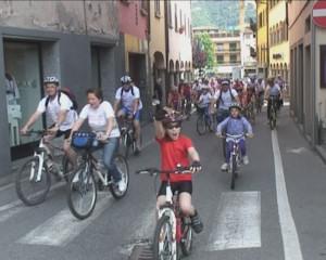 Tutti in bici su e giù per la Valgandino