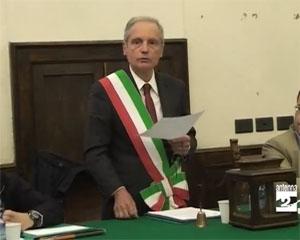 Insediato Castelli. La Lega vota contro