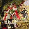 La parrocchiale di Barzizza parata a festa, con la statua di San Nicola