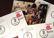 Le cartoline gandinesi per l'annullo filatelico dedicato a Slow Food