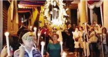 La processione dell'altra sera con la statua di San Francesco da Paola